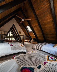 Home Tour: This Big Bear A-Frame Cabin is the Ultimate Urban Escape - Sunset Magazine Cabin Loft, Cozy Cabin, Cabin Chic, Cabin Design, House Design, Modern Cabin Interior, Small Modern Cabin, Modern Cabin Decor, Modern Cabins