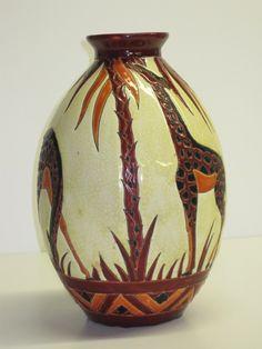 Giraffe vase, Boch Freres Keramis