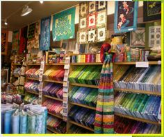 quilt shop display   Store Display My Sewing Room, Sewing Rooms, Quilting Room, Quilting Fabric, Fabric Display, Sewing Room Organization, Cute Quilts, Sewing Studio, Scrappy Quilts