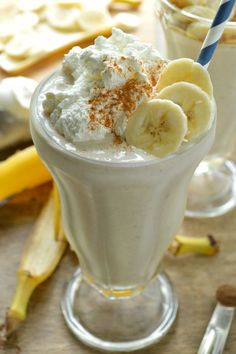 Based on the classic dessert, this Bananas Foster Milkshakes recipe is ...
