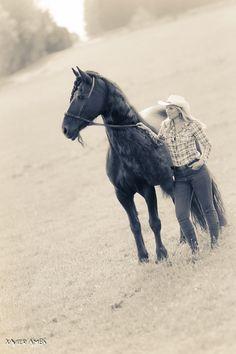 Shooting Western octobre 2016 Licol de monte *Farm* et ceinture cuir Fairy Horse  Marion et Phéa Photographie par Xavier Ambs