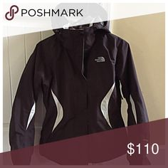 TODAY ONLY ⬇️3 in 1 Women's North Face Ski Jacket Customize your comfort outdoors with our 3-in-1 jacket system that pairs a waterproof, breathable shell with a warm Silken fleece liner that zips out for everyday wear. It was only worn twice! Like new. It's super comfy and warm!!!! No stains or rips. North Face Jackets & Coats
