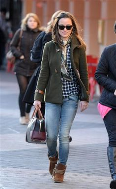 Pippa Middleton walks to her London office in South Kensington on Dec. 20, 2011.