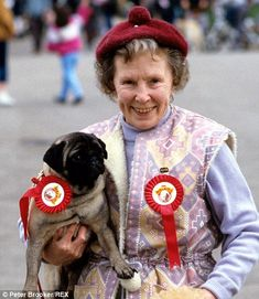 Gretchen Franklin in 1987 with Willy the pug (left) from Eastenders and pictured in 2005 shortly before her death (right) Red Dress Outfit, Soap Stars, Tv Soap, Back In The Day, Good Old, Pugs, The Past, Fiction, Actors