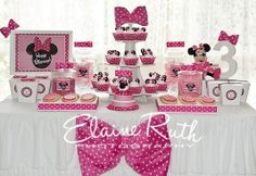 Adorable Minnie Mouse Themed Party  - (Pins found via Google search) - Photo's by Elaine Ruth Photography.
