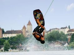 Have fun and enjoy water sports in Estavayer-le-Lac. Ski Nautique, End Of Summer, Water Sports, Hiking Boots, Things To Do, Have Fun, Activities, Places, Things To Make