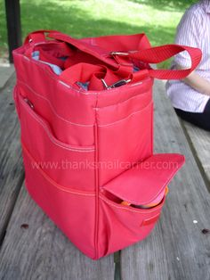 Thanks, Mail Carrier | Fun in the Sun #19: Executive Gift Shoppe {Activo Insulated Cooler Tote Review