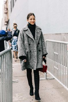 24 tips for your winter outfit in New York City - 24 Tips For Your Winter Outfit New York City – New York Winter Outfit # - Source by york Winter fashion New York Winter Outfit, Chic Winter Outfits, Winter Dresses, Dress Winter, Stylish Outfits, Easy Outfits, Winter Clothes, Look Blazer, New York Fashion