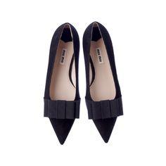 MIU MIU ❤ liked on Polyvore featuring shoes, flats, miu miu, flat shoes, flat pumps, flat heel shoes and miu miu flats