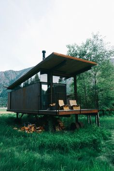 Olson Kundig, Architect, Methow Valley Rolling Huts - Where the outdoors meets architecture - bon traveler
