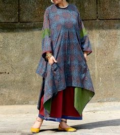 Blue & Red Malmal Hand Block Printed & Hand Embroidered Oversized Kurta