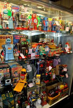 ATTIC OF ASTOUNDING ARTIFACTS: Adventures Into The Land of Robots! Toy Robot Museum & Morphy Auction House
