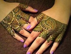 Hi Everyone, Henna says a LOT about you ! Indian Mehndi Ceremony is usually held a day before the wedding, involving celebrations. Modern Henna Designs, Indian Henna Designs, Henna Designs Easy, Beautiful Henna Designs, Bridal Mehndi Designs, Mehndi Designs For Hands, Beautiful Mehndi, Art Designs, Mehndi Tattoo