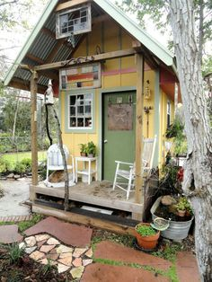 Picture of exterior of Tiny House build piece by piece.