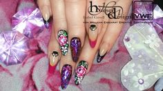 Magic Nail Art flakes with fantastic chrome effect pigments, makes it easy to create fabulous chrome look nail art.