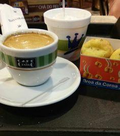 Delícia de café com chantilly para acompanhar broinhas de milho. Rei do Mate Barra shopping