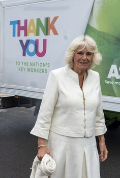 Camilla Parker Bowles Photos - Camilla, Duchess of Cornwall visits an Asda distribution centre to thank staff who have kept the country's vital food supplies moving throughout the coronavirus pandemic on July 9, 2020 in Avonmouth, England. - The Prince Of Wales And The Duchess Of Cornwall Undertake Engagements In Bristol And Gloucester