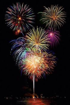 One of my favorite holiday is the of July and is one of my favorite parts of the summer. It's a holiday filled with delicious food, fireworks, and being patriotic. Fireworks Art, 4th Of July Fireworks, Fourth Of July, Wedding Fireworks, Fireworks Animation, Birthday Fireworks, Vintage Fireworks, Fireworks Displays, Betty Boo