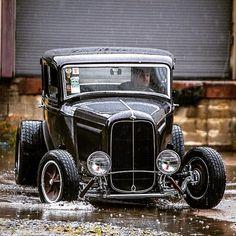 Action! #fuel32 @chratexas @goodguysrodandcustom Shop at Fuel32.com Click link in bio #1932ford #1931ford #1930ford #1929ford #1928ford #32ford #highboy #deuce #coupe #hamb #ford #1932 #vintagecar #hopuplive #streetrod #hotrod #sema #trog #customcar #5window #3window #roadster #modela #gnrs #flathead #goodguys #roddersjournal #livingthehighboylife