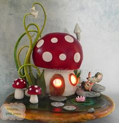 A Little Mouse Playing His Music Outside His Toadstool House Cake, While Inside There Is A Light Glowing. Toadstool Cake, Mushroom Cake, Clay Fairy House, Fairy House Cake, Fairy Houses, Woodland Cake, Garden Cakes, Clay Fairies, Fairy Cakes