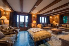 Chalet Corniche is a luxury ski chalet in Verbier, Switzerland with a team of staff and its own indoor pool and gym from Firefly Collection. Chalet Design, House Design, Luxury Swimming Pools, Luxury Pools, Ski Chalet, Chalet Interior, Interior Design, Jacuzzi Outdoor, Indoor Outdoor