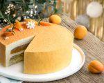 La recette de l'entremets exotique : croustillant aux amandes, crème d'amandes au citron vert, mousse vanille et cœur ananas au citron vert.