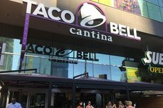 I Attended a Wedding at the Taco Bell Chapel in Vegas and It Was Beautiful Taco Bell Wedding, Taco Bell Cantina, Vegas Themed Wedding, Las Vegas Strip, Wedding Goals, Nevada, Cigarette Smoke, Tacos, Funny Pictures
