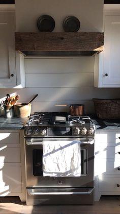 Stories • Instagram Range Hood Cover, Kitchen Appliances, Kitchens, Oven, Highlight, Desk, Mom, Garden, House