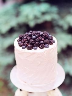 Max Koliberdin » Blog cake blackberry wedding