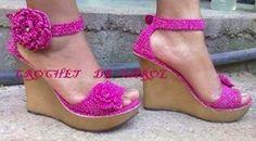 sandalias crochet-bellezaazul.top (6) Crochet Boot Cuffs, Crochet Boots, Crochet Slippers, Cute Shoes, Me Too Shoes, Crochet Flip Flops, Crochet Sandals, Knit Shoes, Summer Shoes