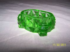 """VINTAGE"" SOLID GREEN ""DEPRESSION"" GLASS ""OPEN SALT DIP CELLAR DISH"""