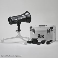 iLux™ Summit 600C Flash Head (El-Mount) * Photomart Exclusive * SKU: ILW600E £490.40 6000mAh Li-ion battery for long time use, can be detached for quick-changing ELINCHROM Mount, can be attached to most popular professional light modifiers, softboxes, diffusers, etc…