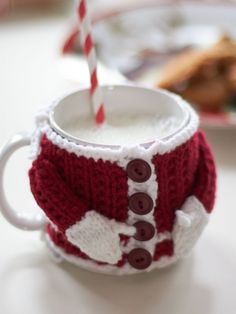 Santa's Mug Cozy | Yarn | Free Knitting Patterns | Crochet Patterns | Yarnspirations