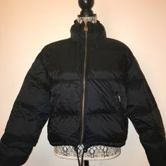Puff coat American Eagle Worn on a few times! Black puffer coat! American Eagle Outfitters Jackets & Coats Puffers