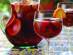 Sangria is a typical beverage from Portugal and Spain. This wine based drink is… Holiday Sangria, Sangria Cocktail, Sangria Wine, Summer Cocktails, Spanish Cocktails, Wine Drinks, Alcoholic Drinks, Wine Punch, Spanish Wine