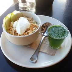 Perfect way to kick off your day with bircher muesli with a delicious green shot packed full of kiwifruit. Instagrammer @brisbanebruncher couldn't leave the nation's capital without stopping in at @eightytwentyfood in Braddon. #visitcanberra