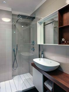 Badideen Kleines Bad Dusche Weißes Waschbecken Deckenleuchten