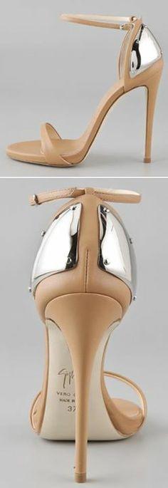 Facebook: Adoramos Sapatos