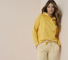 Exklusive Designer Damenmode im Onlineshop kaufen | SAILERstyle Shops, Loungewear, Designer, Hooded Jacket, Athletic, Jackets, Fashion, Clothing, Jacket With Hoodie