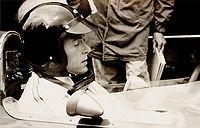 Informações pessoais Nome completoDaniel Sexton Gurney NacionalidadePovo dos Estados Unidos norte-americano(a) Nascimento13 de abril de 1931 (85 anos) Port Jefferson, New York Registros na Fórmula 1 Temporadas1959-1968, 1970 Equipes7 (Ferrari, BRM, Porsche, Autosport Team Wolfgang Seidel, Brabham, Eagle e McLaren) GPs disputados87 (86 largadas) Títulos0 {4º em 1961 e 1965} Vitórias4 Pódios19 Pontos133 Pole positions3 Voltas mais rápidas6 Primeiro GPGP da França de 1959 Primeira…