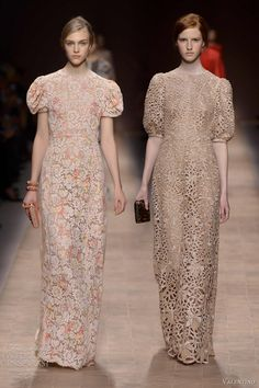 valentino spring summer 2013 puff sleeve lace dresses -- Valentino Spring/Summer 2013 Ready-to-Wear Beautiful Maxi Dresses, Elegant Dresses For Women, Pretty Dresses, Disney Wedding Dresses, Bridal Dresses, Below The Knee Dresses, Valentino Gowns, Simple Gowns, Royal Clothing
