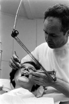 50s dental drill - Google Search Dental Pictures, Dental Surgery, Med Student, Dental Assistant, Dentistry, Drill, Teeth, History, Kids