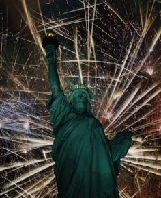 #Fireworks at your #wedding? Where better than over the Statue of Liberty at Liberty Island and Ellis Island weddings! @evelynhillinc #ww