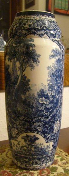 "Royal Bonn Vase Decor Delft. ""Repinned by Keva xo""."