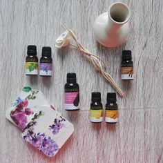 Did you know how to make your own Reed Diffuser ? Take a look at the picture for all the things you need.