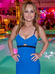 These Giada De Laurentiis pictures are her hottest photos ever. We found sexy images, GIFs (videos,) and wallpapers from various bikini and/or lingerie pho Giada De Laurentiis, Giada At Home, Beautiful Celebrities, Beautiful Women, Beautiful Smile, Beautiful People, Italian Chef, Italian Beauty, Paula Deen