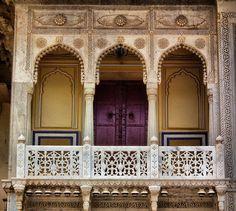 Painted wood art ideas old windows 68 ideas India Architecture, Architecture Details, Interior Architecture, Historic Architecture, Gothic Architecture, Rajasthan India, Jaipur, India India, Wood Painting Art