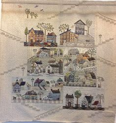 At the European Patchwork Meeting in Alsace, France, Quiltmania presented an exhibition called Variations of Yoko Saito& Mystery Q. Yoko Saito, Japanese Patchwork, Japanese Art, Asian Quilts, Landscape Art Quilts, Sampler Quilts, House Quilts, Applique Quilts, Hand Applique