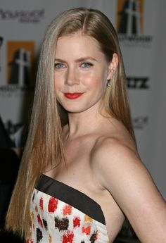 Amy Adams long straight side swept sexy hairstyle!