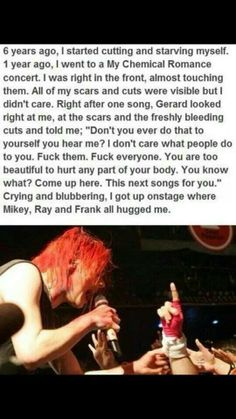 Me and my cousin both agree that this is beautiful. And I know that this isn't fall out boy but I still think that everyone would see this. Gerard way is beautiful Thank you Gerard Way, Emo Bands, Music Bands, My Chemical Romance, Music Stuff, My Music, Music Lyrics, My Romance, Mikey Way